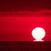 年の瀬の播磨灘に沈む夕日3(だるま夕日)