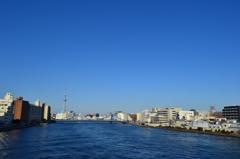 東京の蒼い空