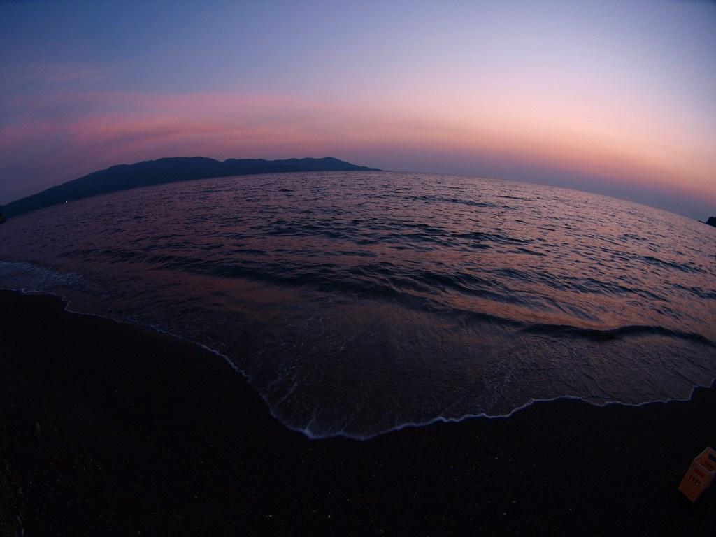 夕焼け色の海