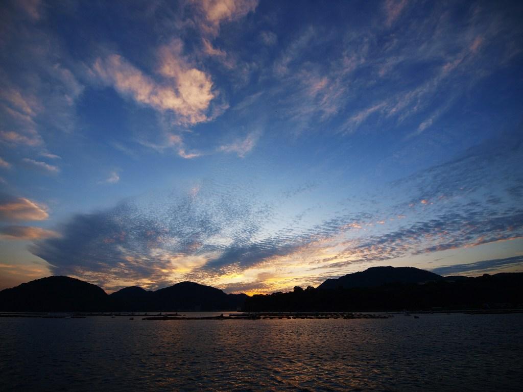 内浦の夜明け 3