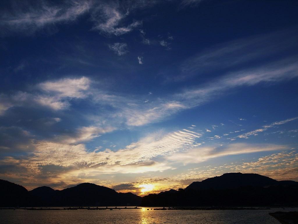 内浦の夜明け 7