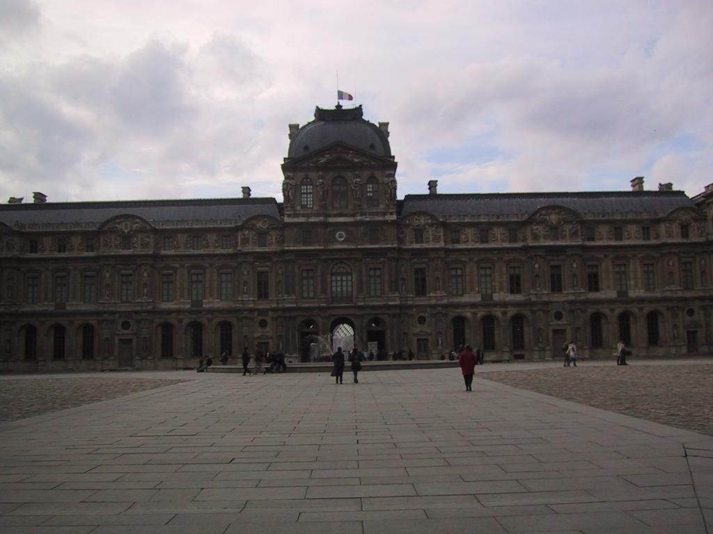 ルーブル美術館1