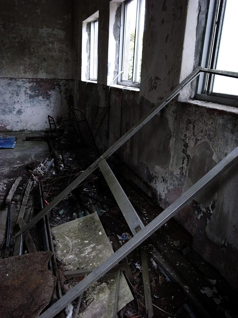 - ruined - decay