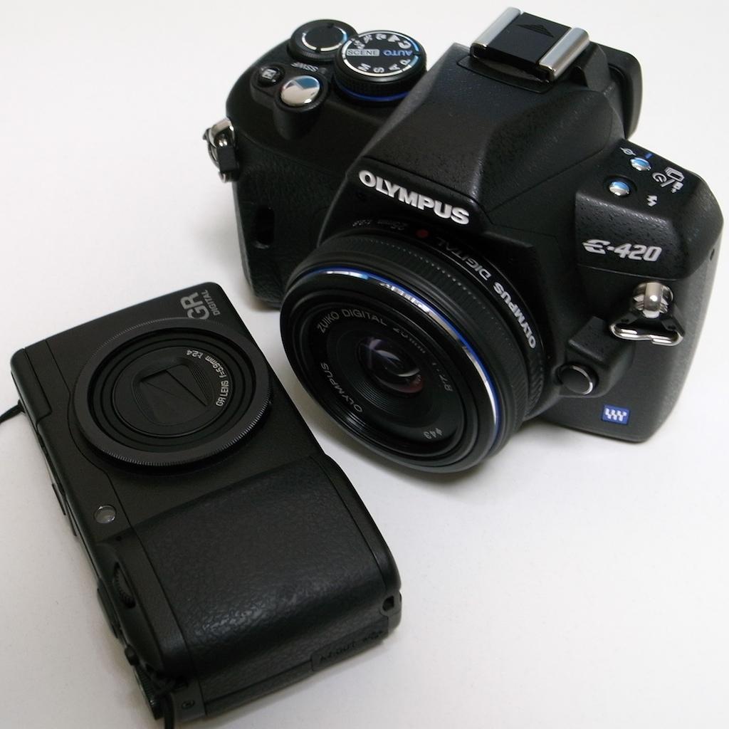Olympus E-420 + Ricoh GR Digital II