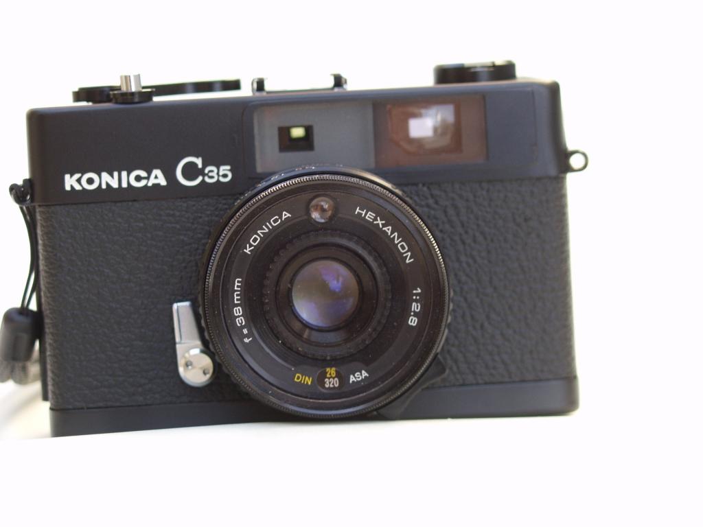 コニカC35