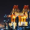 工場と埠頭~超望遠の世界