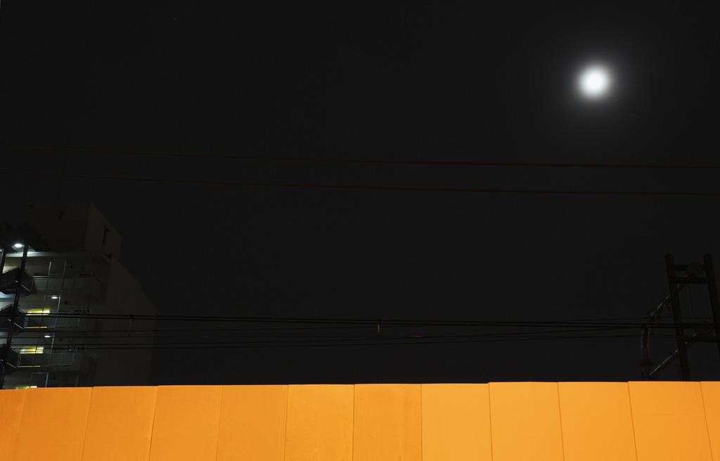 光のキャンバス・黄の上に輝く1