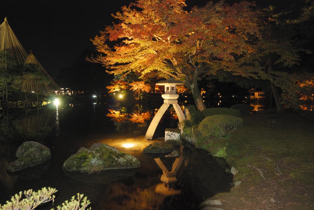 兼六園灯篭2