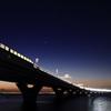 夜へと続く橋