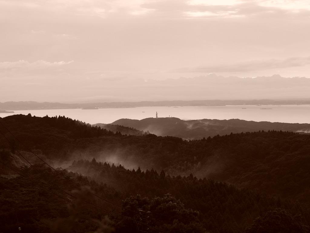 鹿野山から見る東京湾