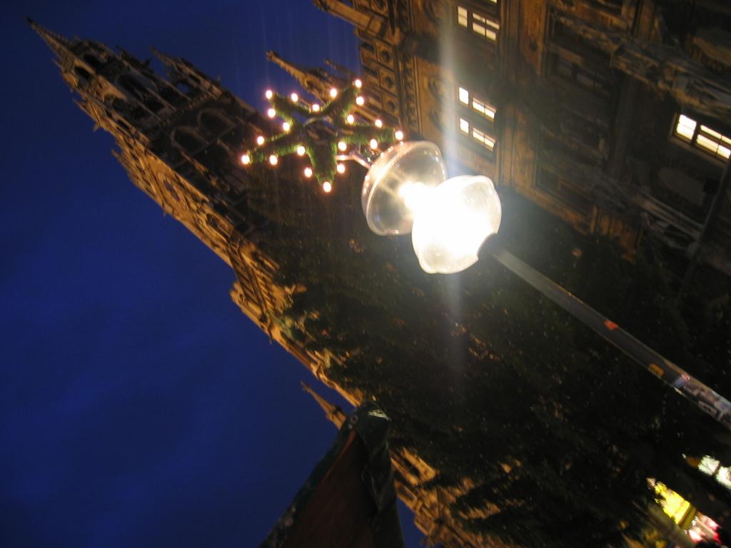 時計塔と夕暮れ