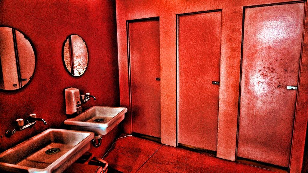 時計仕掛けのオレンジトイレ