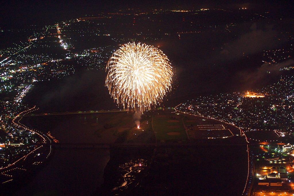 上空500mから見る花火