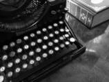 うろこの家 タイプライター&本 2
