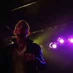 NIKON NIKON D90で撮影した人物(DSC_5484)の写真(画像)