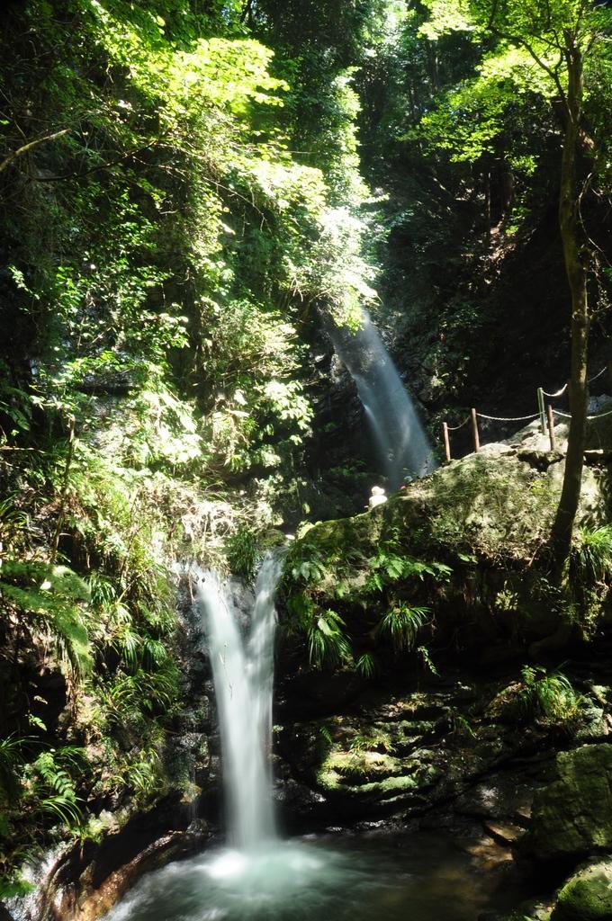 黒山三滝(男滝、女滝)