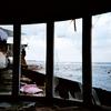 UFO屋敷から海 -LOMO  LC-A-