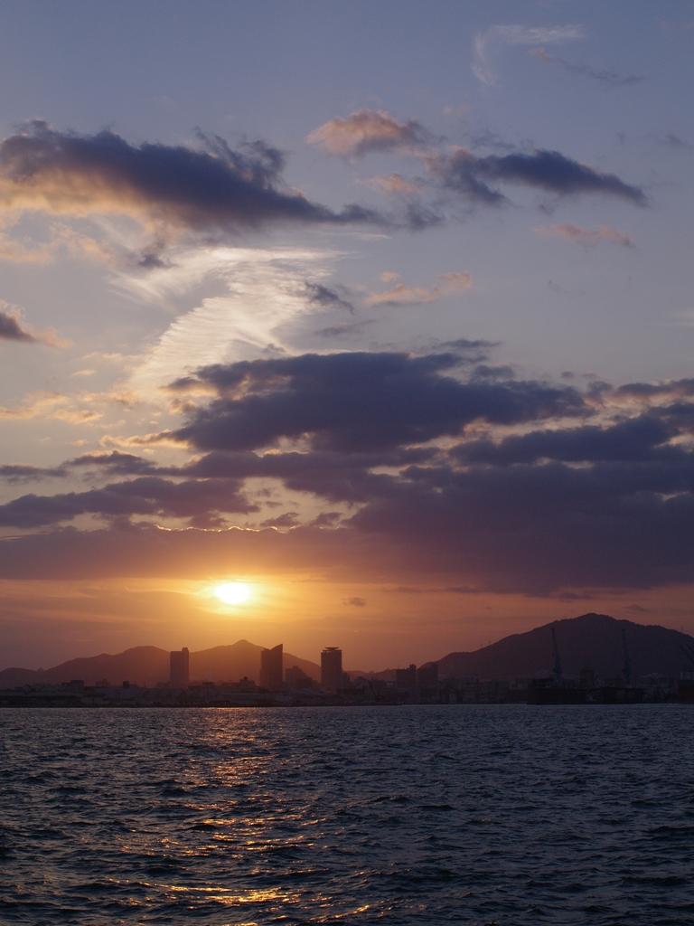夕日(みなと神戸)