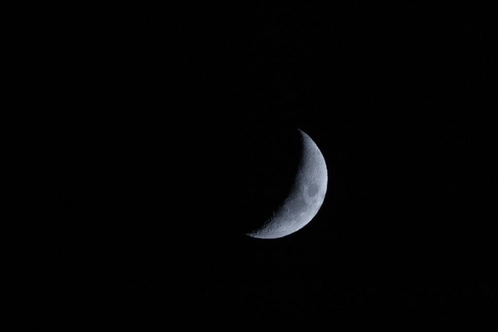 なぜ月を撮りたくなるんでしょう・・・