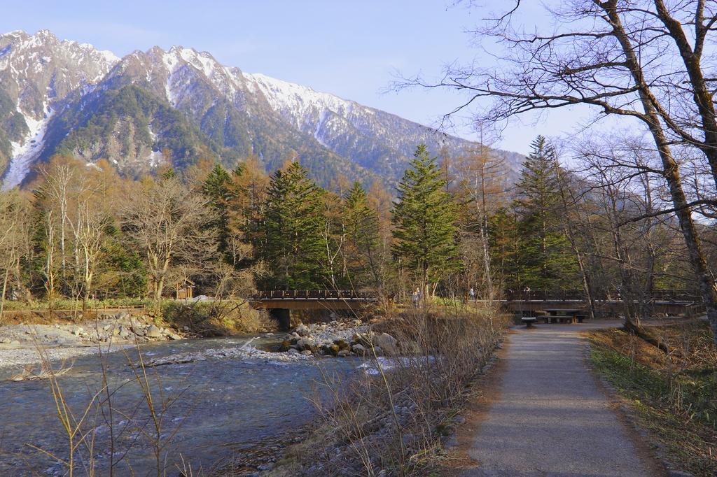田代橋に続く道