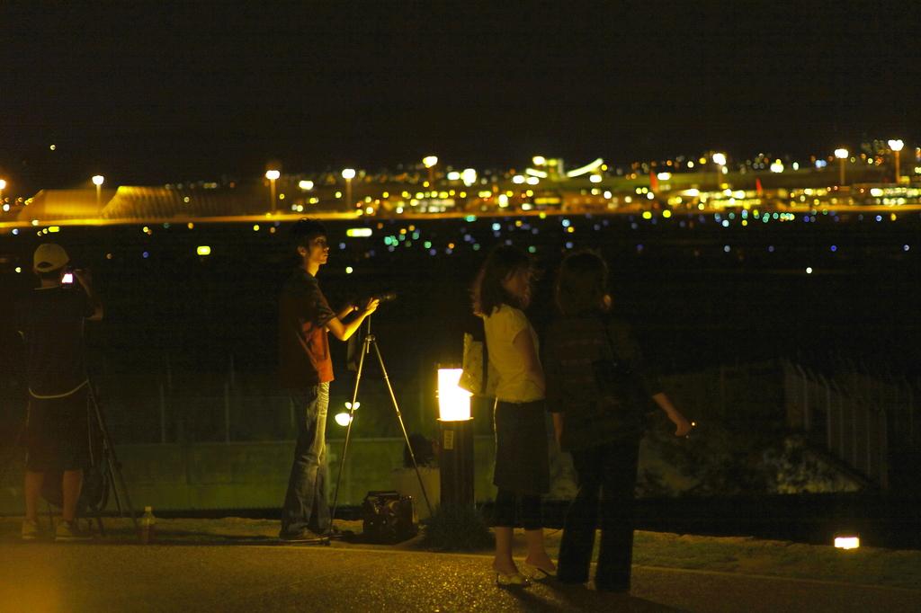大阪国際空港スカイパークの夜