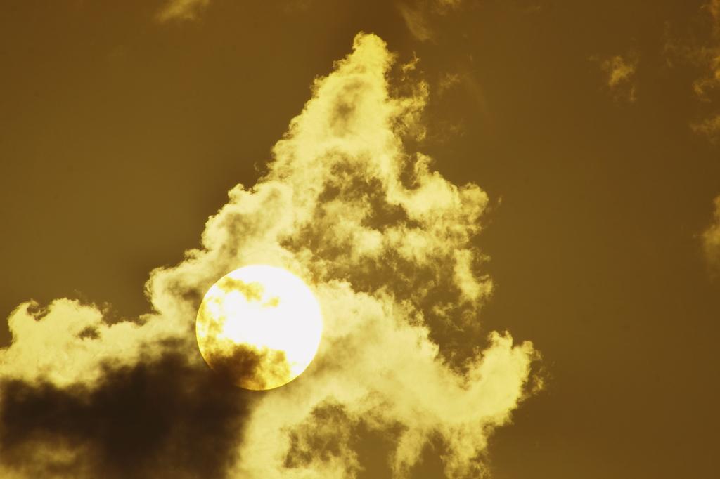 炎上する雲