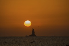 立神岩と落陽