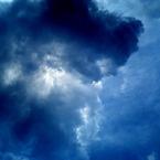 KDDI A5407CAで撮影した風景(蒼の中の群青)の写真(画像)