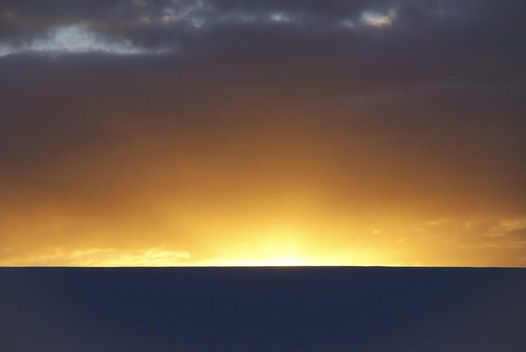 夜明けの地平線
