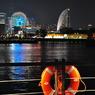 NIKON NIKON D90で撮影した(浮き輪は見守る)の写真(画像)