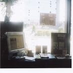 その他のカメラメーカー その他のカメラで撮影したインテリア・オブジェクト(MACのある風景)の写真(画像)