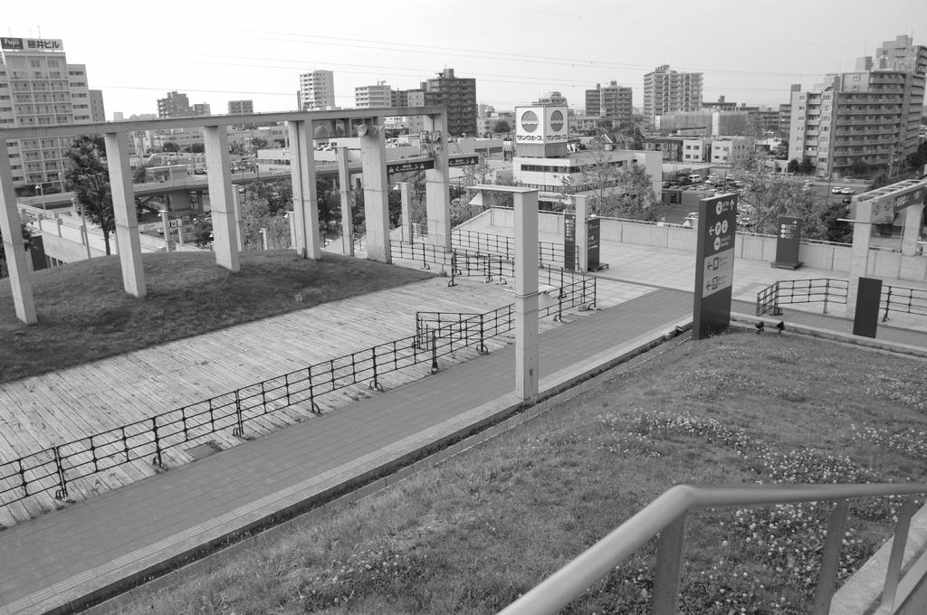 誰も居ない札幌ドームの正面階段入り口