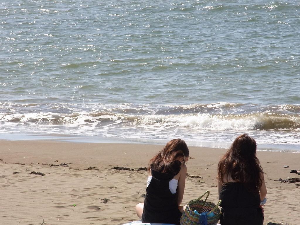 海辺のおねえさん