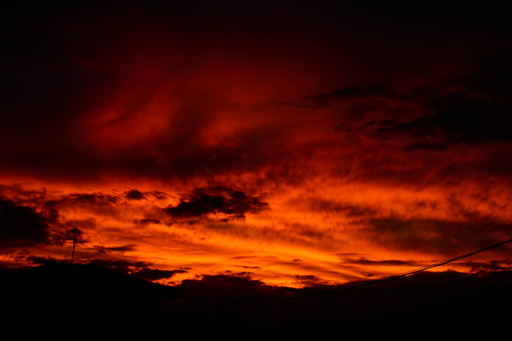 燃える夏雲