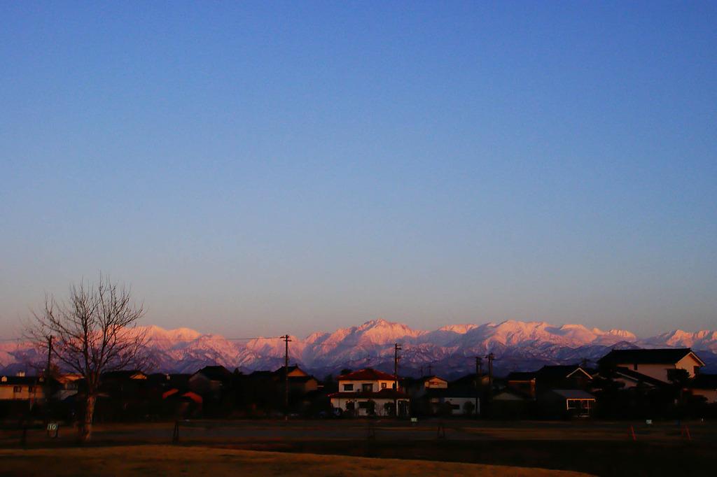 夕暮れ時の立山連峰