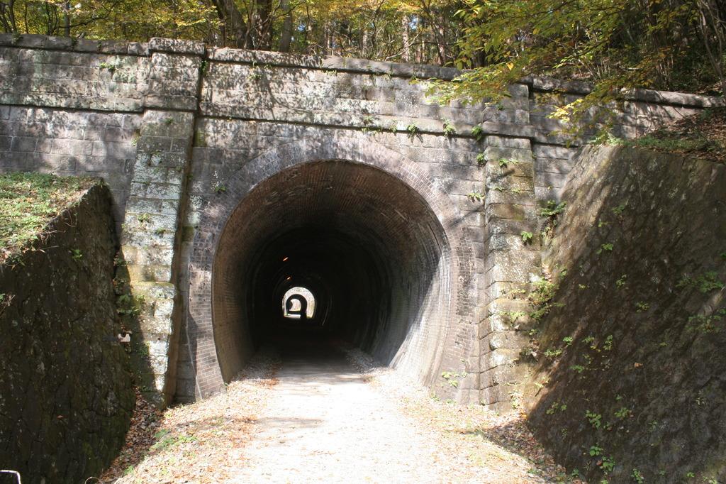 想い出へ続くトンネル