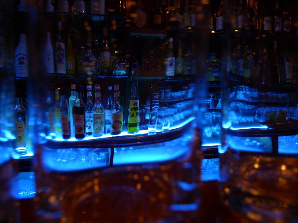グラスの先にある誘惑