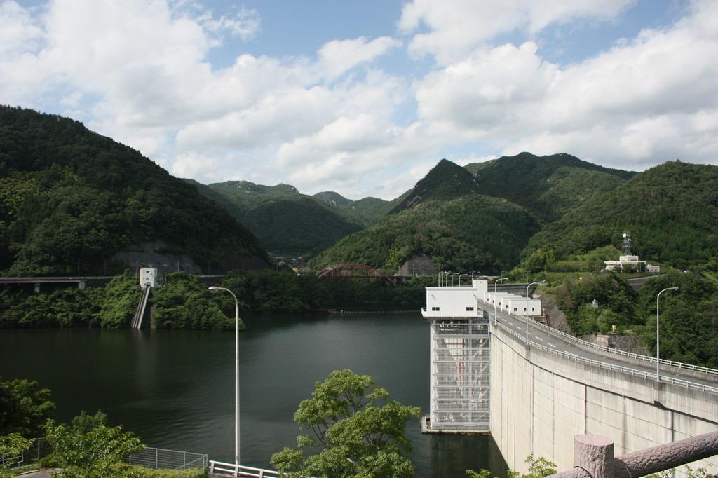 弥栄ダム 2