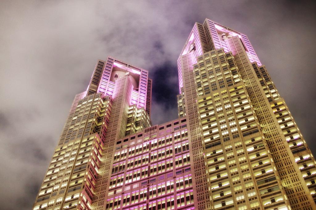 ピンクな都庁