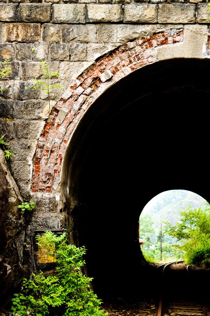 廃線トンネル
