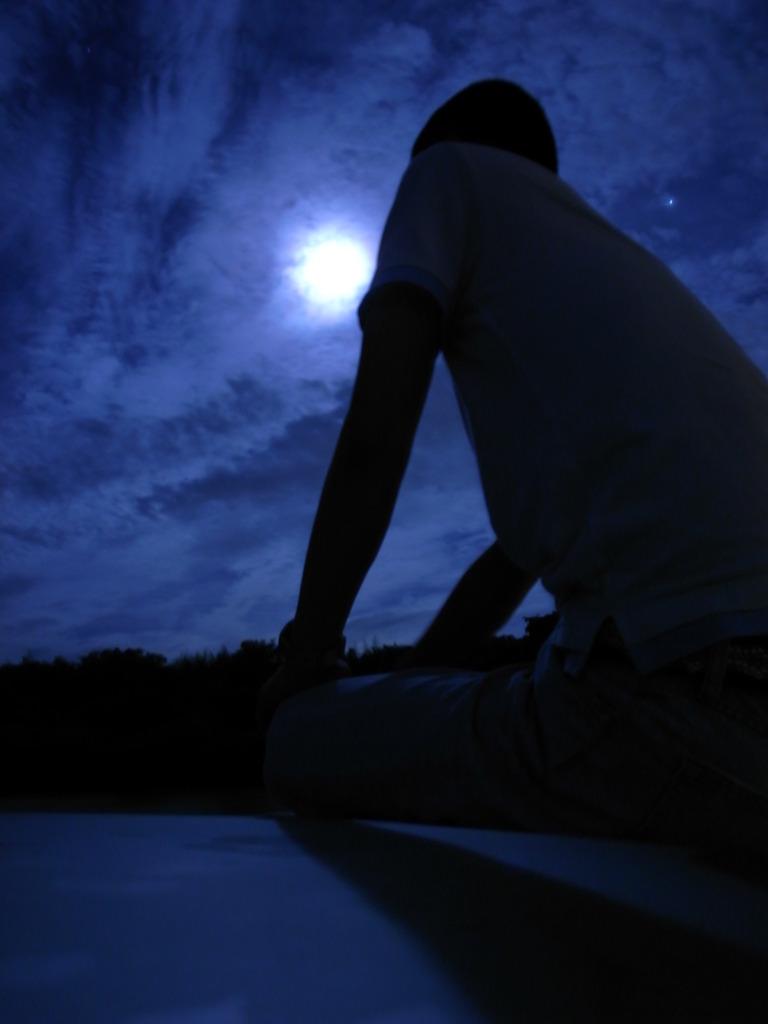 月、人・・・星