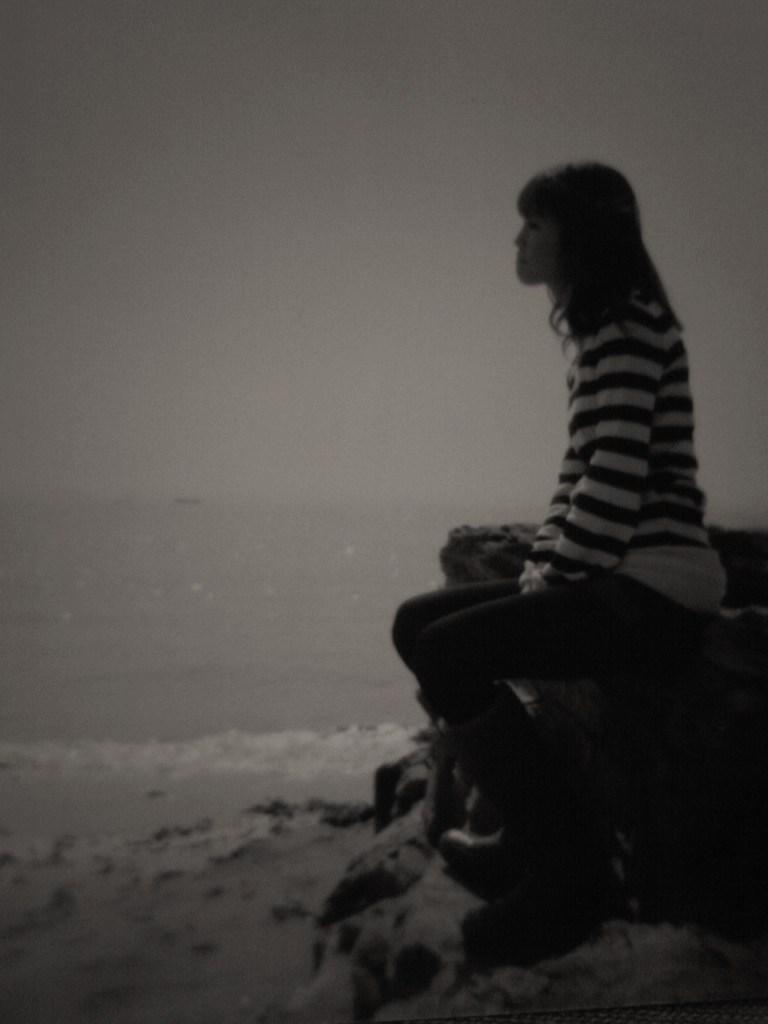 海で考え事