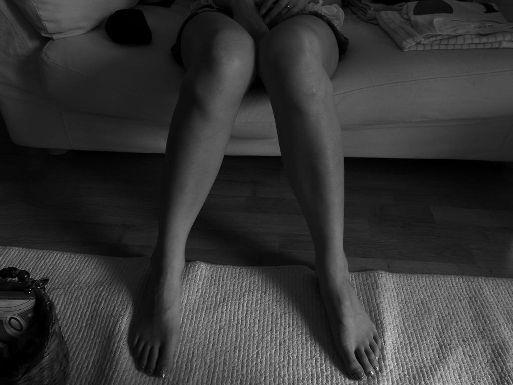 寝てる人の脚