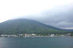 日光男体山と中禅寺湖