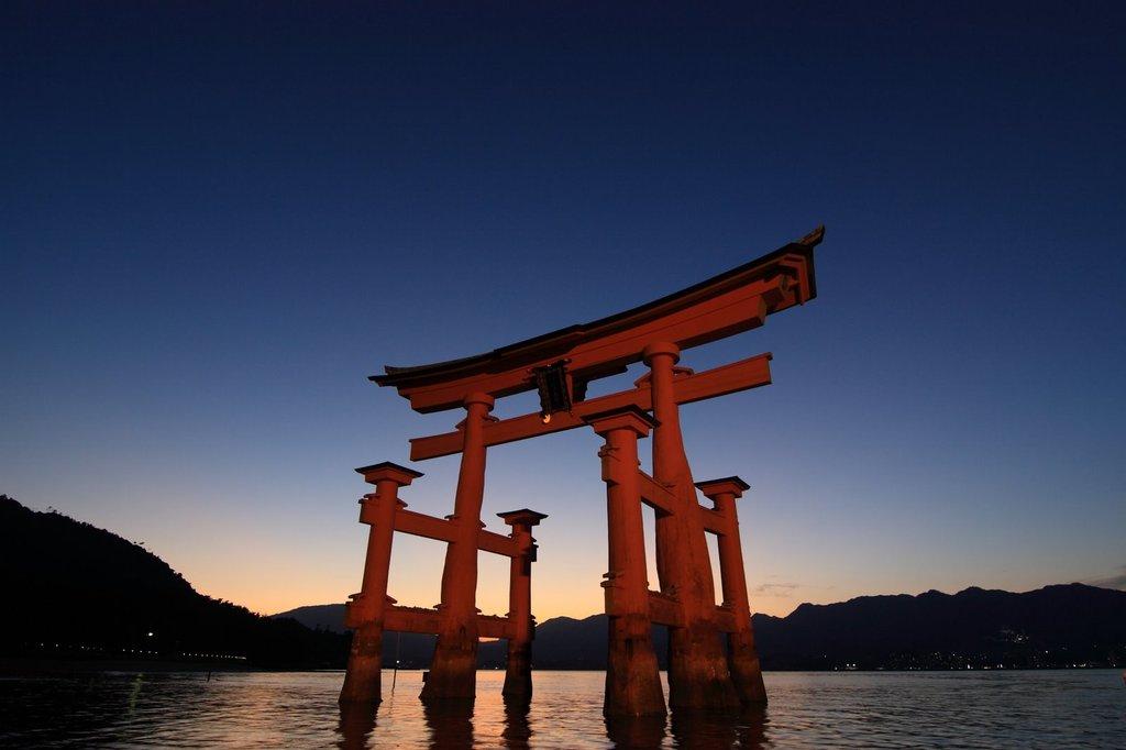 厳島神社大鳥居3