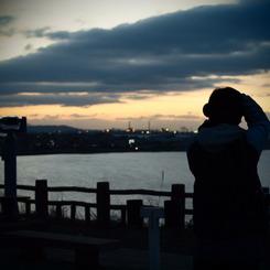 OLYMPUS E-620で撮影した人物(その向こうには何が。)の写真(画像)