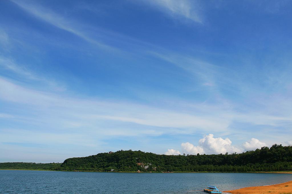 Huguang Lake