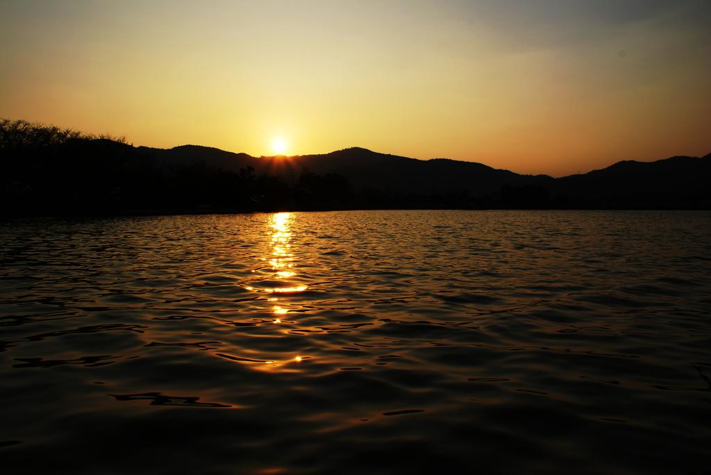 広沢の池の夕暮れ