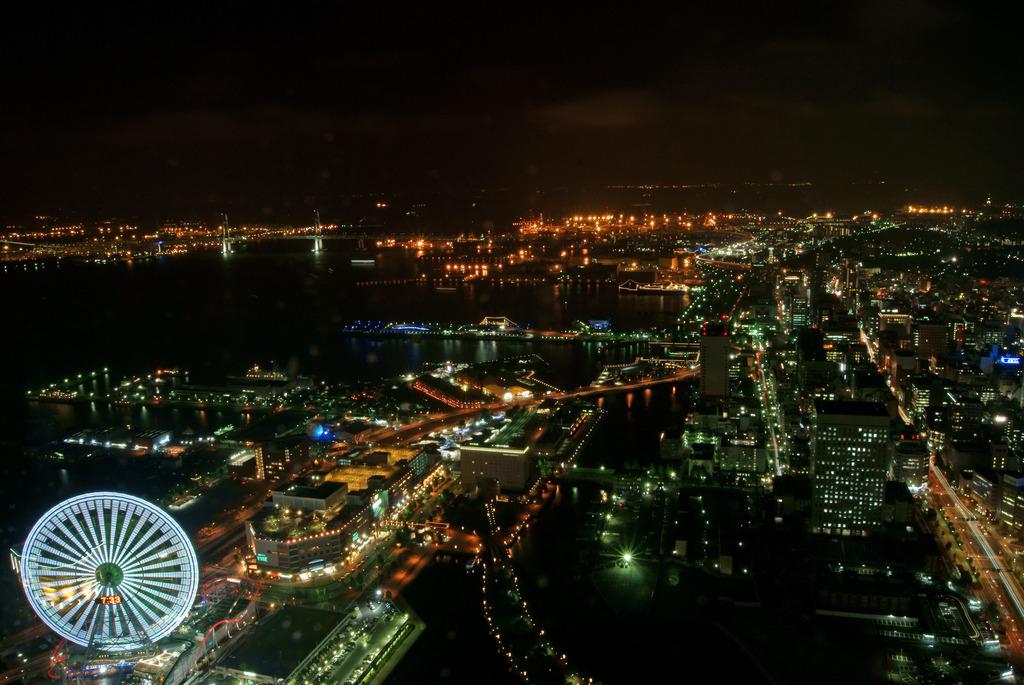 ランドマークタワーからの夜景5