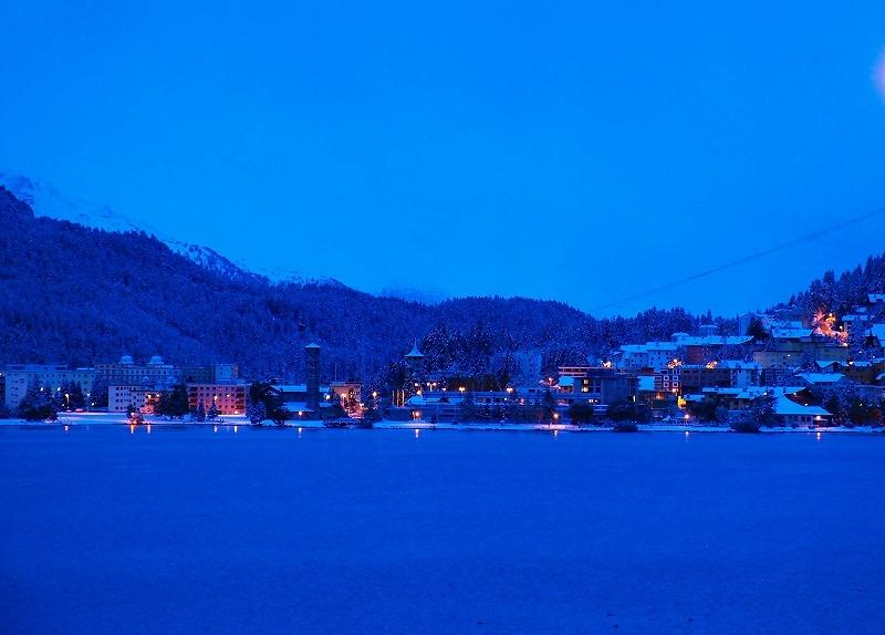 雪明りのサンモリッツバート地区